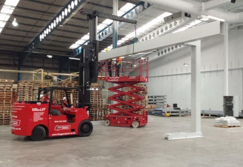lifting steel with hoist