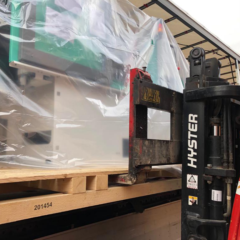Forklift-loading-lorry