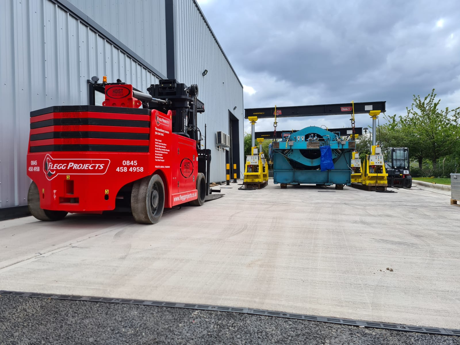 Machine movers equipment moving machines